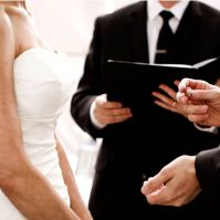 How Much Should a Wedding Officiant Charge?