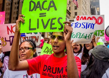People protesting the end of the DACA program