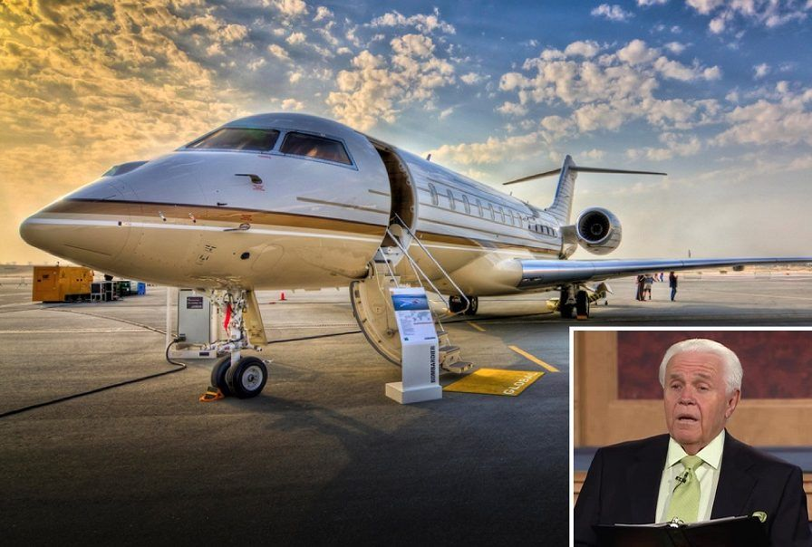 Preacher Jesse Duplantis and his private jet