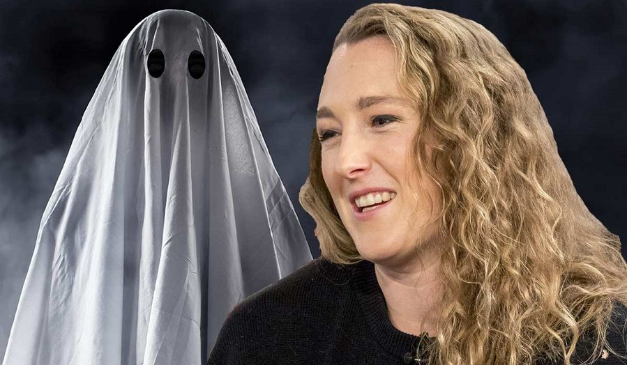 Woman claims she's had sex with a ghost