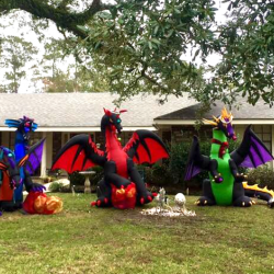 "Christian Neighbor Attempts to Slay ""Christmas Dragons"""