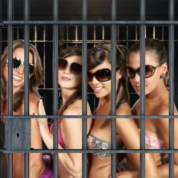 Nude Models Arrested in Dubai for Disobeying Sharia Law